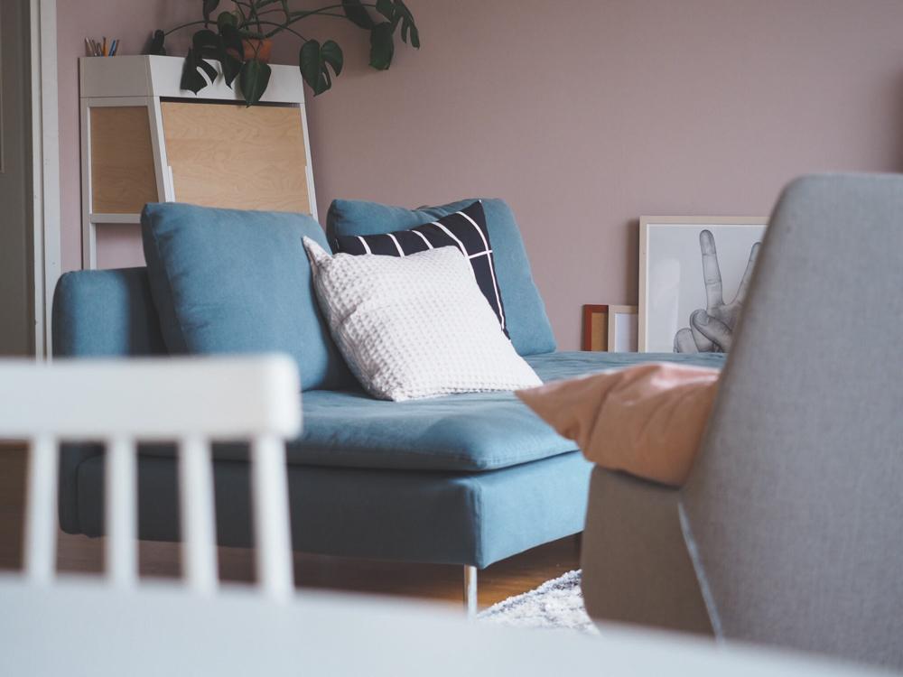 Värillinen sohva / Uhka vai mahdollisuus?