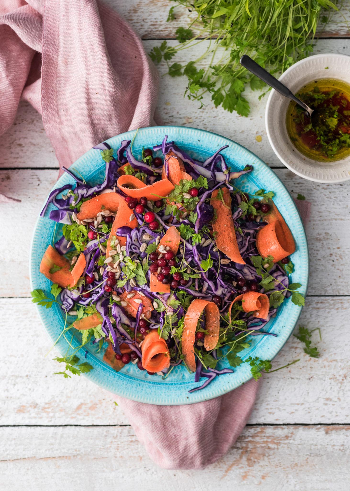 Salaattiviikko osa 4: Punakaali-porkkanasalaatti