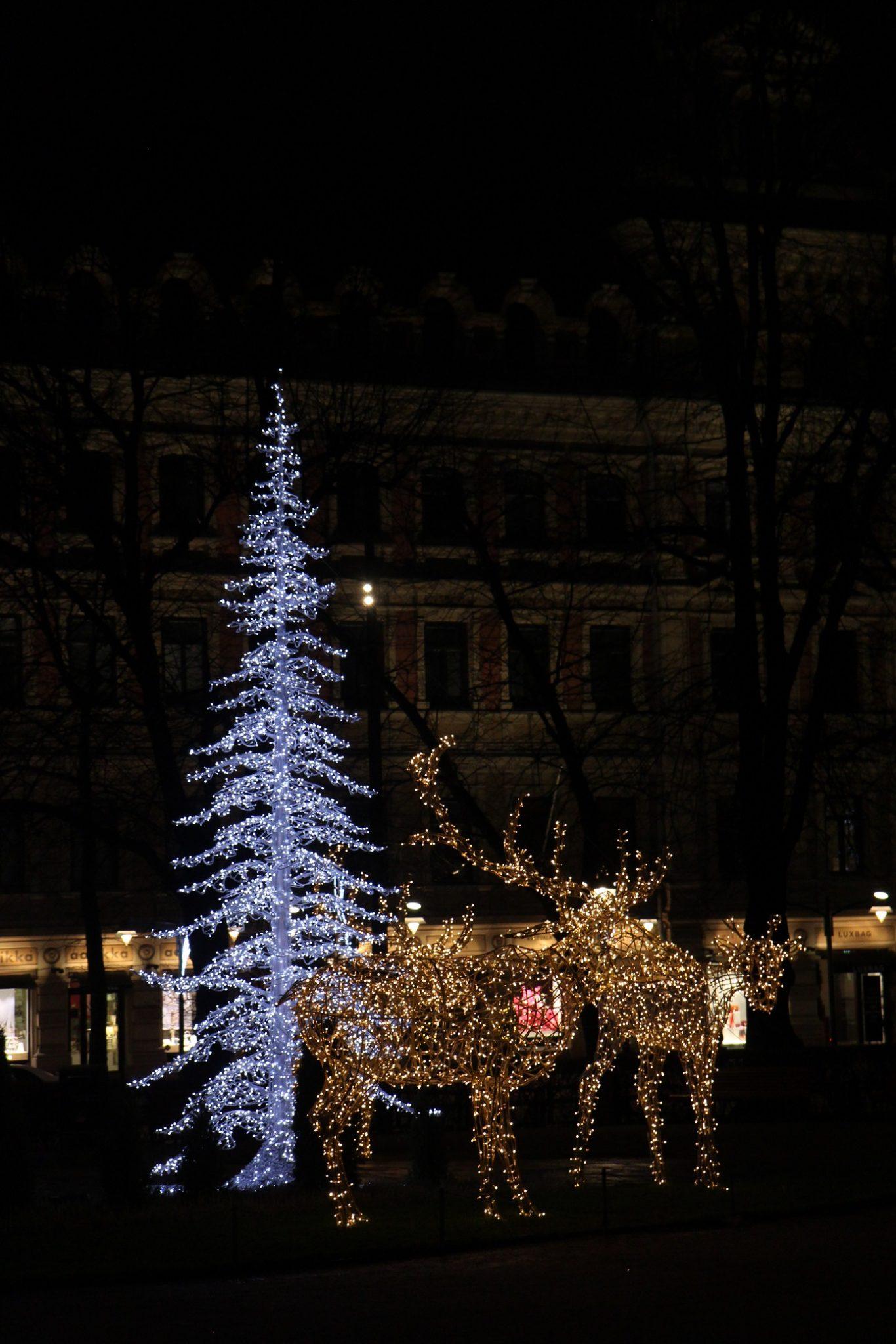 Joulukuu 9: Helsingin hurmaavat jouluvalot