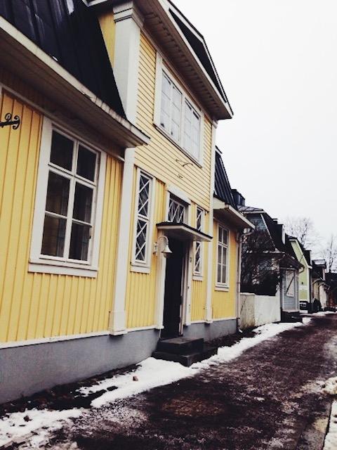 Kävimme hiljattain Hämeenlinnassa, josta bongailin ihastuttavia vanhoja taloja...